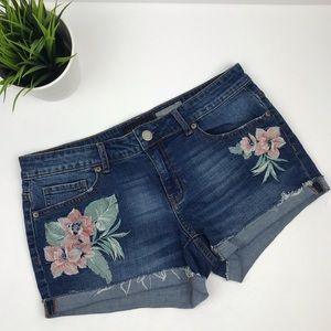 AEROPOSTALE Denim/Jean Shorts w/Floral Applique